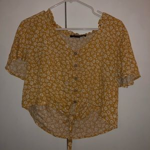 Tops - Floral yellow blouse